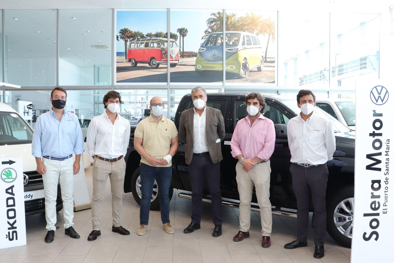 El alcalde Germán Beardo visita las instalaciones de Solera Motor en El Puerto de Santa María