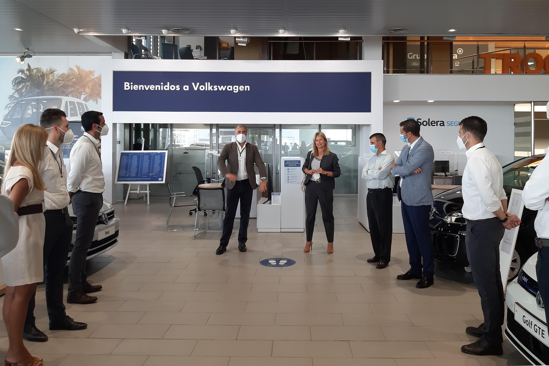 Laura Ros, Directora General de Volkswagen España, visita Solera Motor